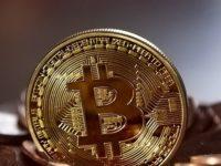 Kryptowährung Bitcoin wieder über 10000 US-Dollar