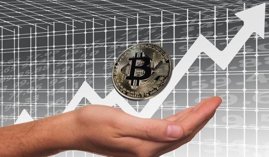 Bitcoin nach Absturz wieder auf positiven Kurs